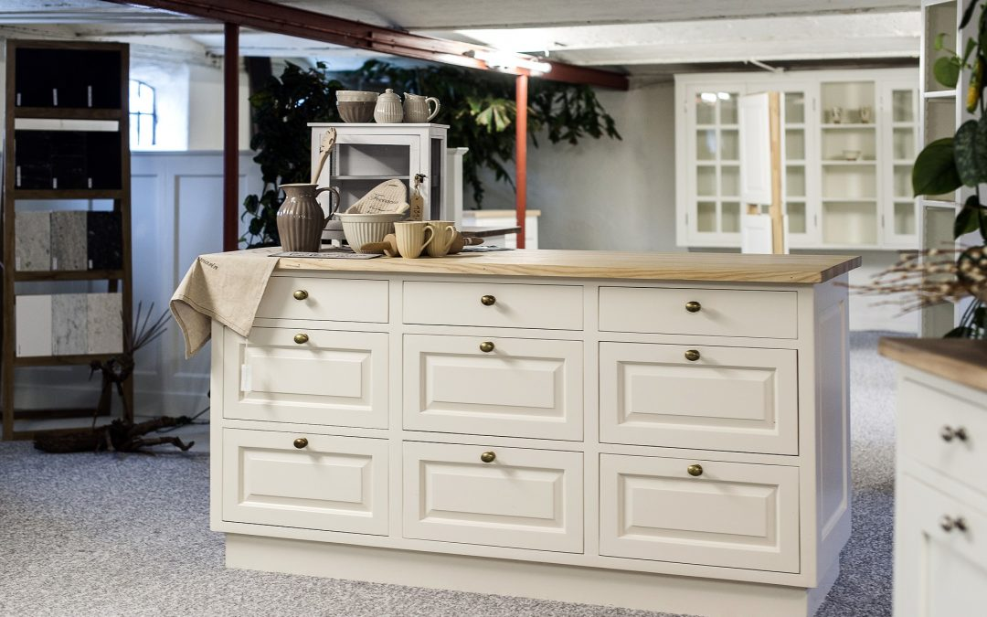 Styling with Kitchen Cabinet Hardware